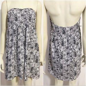 Torrid Size 0 Strapless Black/White Palm Dress